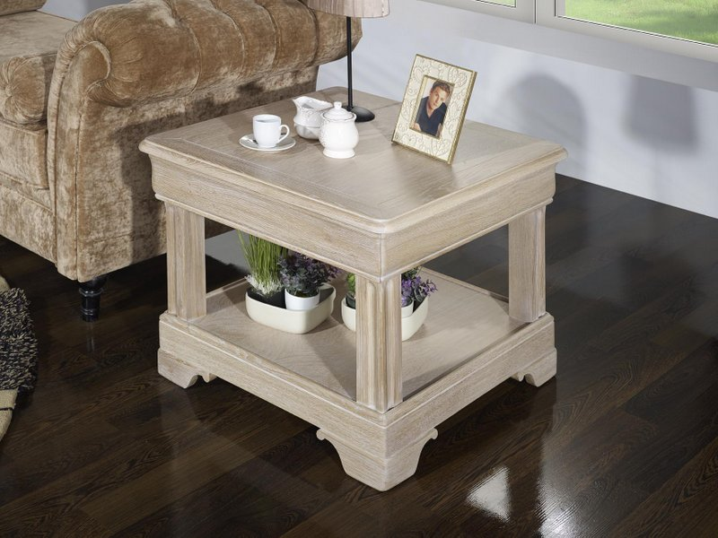Petite Table Basse Ines Réalisée En Chêne De Style Louis Philippe