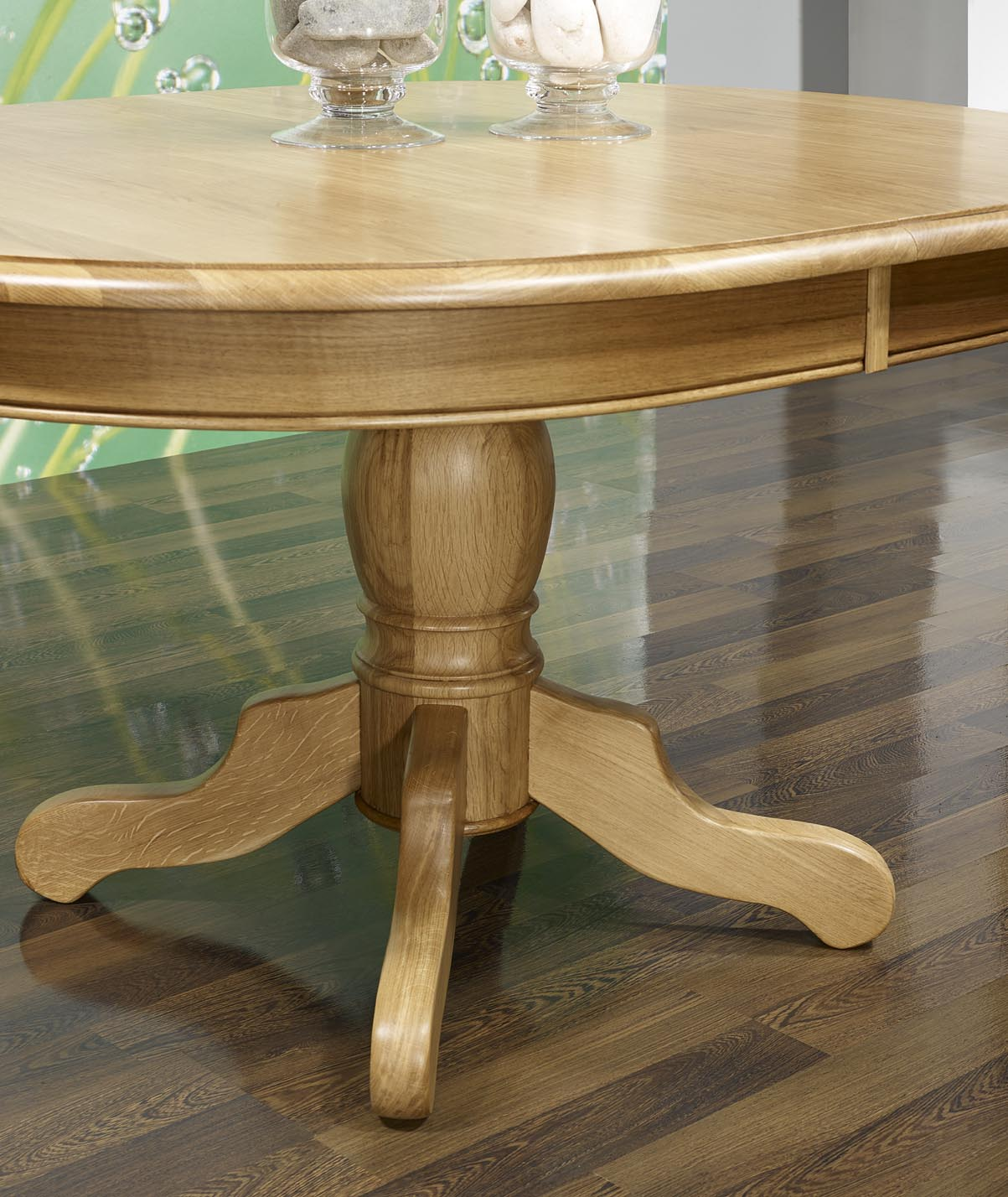 Table Ovale Pied Central Jerome Realisee En Chene Massif De Style