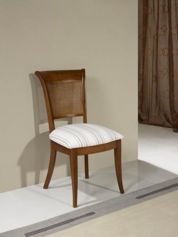 Chaise Ambre Realisee En Merisier De Style Louis Philippe