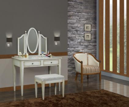 Table de toilette ou Coiffeuse Coralie  en chêne de style Louis Philippe