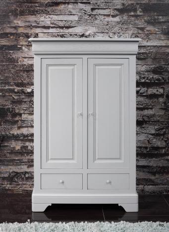 Bassette 2 portes 3 tiroirs réalisée en Chêne Massif de style Louis Philippe Finition Gris Perle légèrement usé 1 disponible