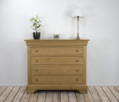 Commode 4 tiroirs réalisée en chêne de style Louis Philippe