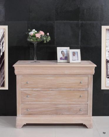 Commode 4 tiroirs   en Chêne Massif de style Louis Philippe Finition Chêne Brossé Blanchi