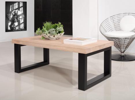 Table basse rectangulaire de ligne contemporaine, réalisée en chêne et fer