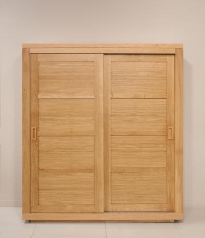 Petite armoire 2 portes coulissantes Julien  en Chêne de Ligne contemporaine Hauteur 180 cm 4 étagères de chaque côté