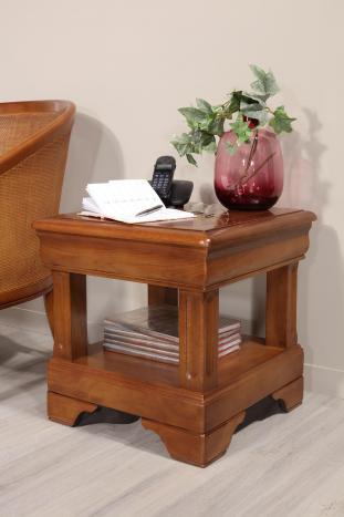 Bout de canapé ou Table d'appoint   en chêne de style Louis Philippe Finition chêne moyen