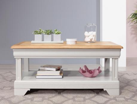 Table basse Eliot  en Chêne de style Louis Philippe 1 tiroir de chaque côté Finition chêne naturel pour le plateau et Gris perle pour le corps