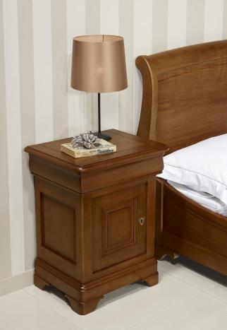 Chevet 1 porte 1 tiroir Hugo réalisé en Chêne Massif de style Louis Philippe Finition Chêne Moyen